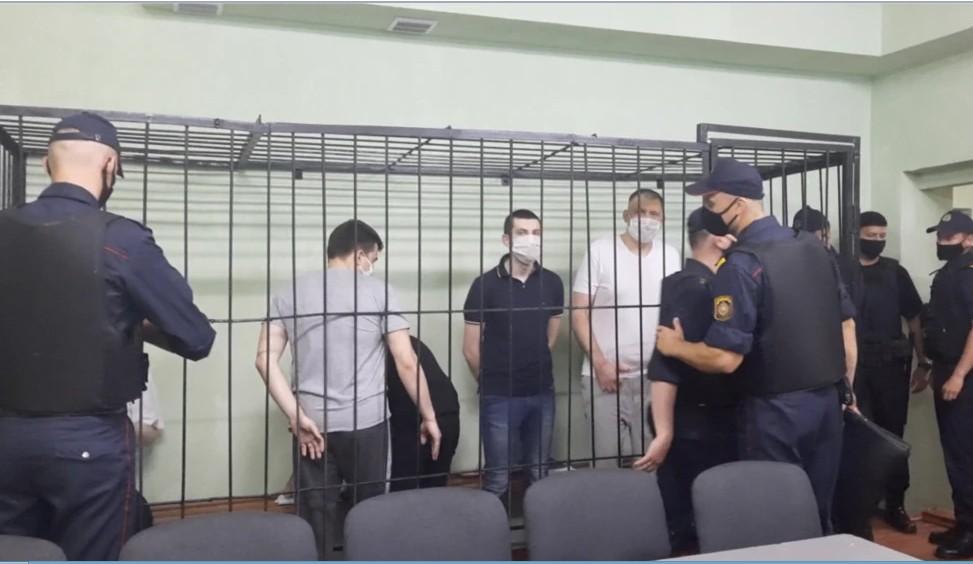 Фигурант «дела Тихановского» Попов попросил Путина лишить его гражданства России, которая «готова жертвовать своими гражданами»