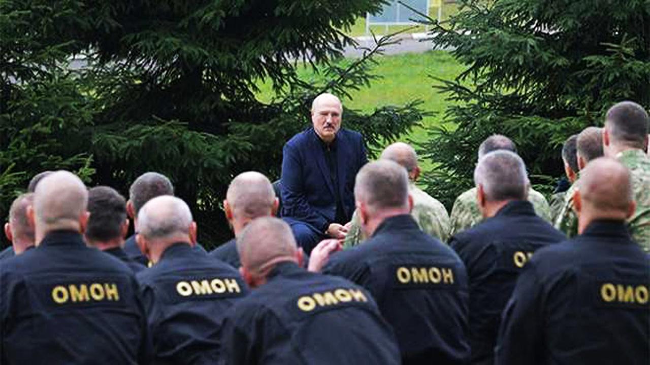 Карбалевич: Лукашенко стал заложником