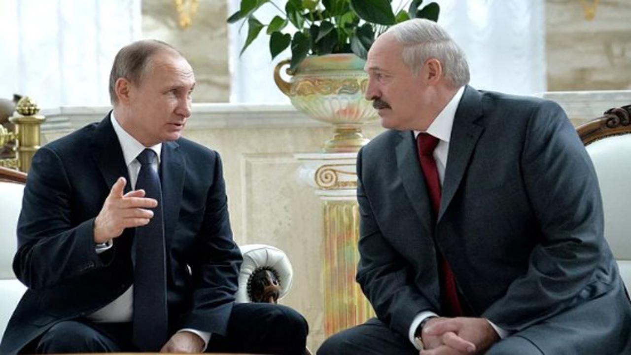 Лукашенко подлизывается к Кремлю после протестов в России