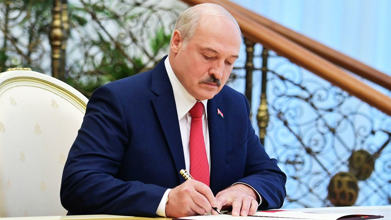 Лукашенко внес поправки в закон о массовых мероприятиях.