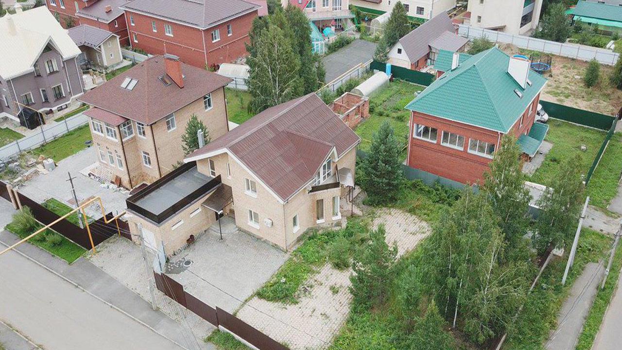 У генерала ФСБ в РФ нашли элитный особняк за 150 миллионов