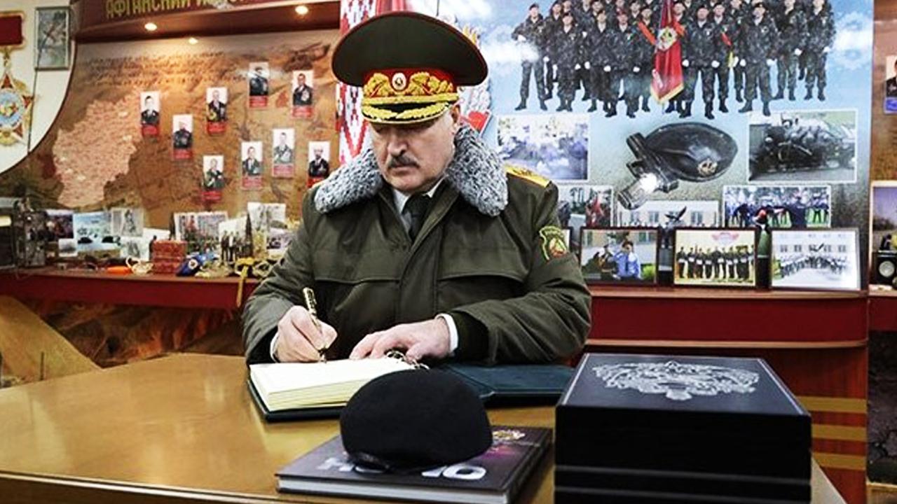Лукашенко заявил, что российские войска могут быть введены в Беларусь «по соображениям безопасности». Пресс-секретарь Путина опровергнут