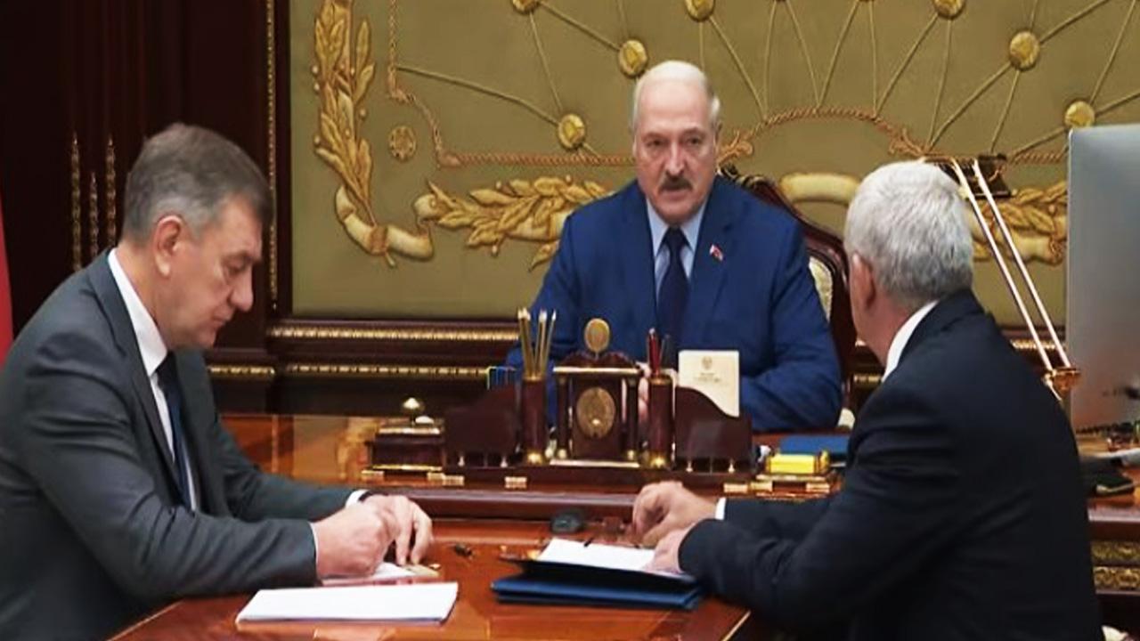 «Сядут, и надолго». Лукашенко заговорил о «западных шпионах» на белорусских заводах