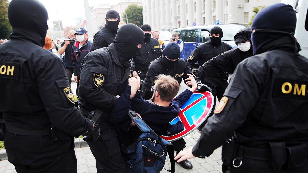 Алесь Беляцкий: Таких репрессий в Беларуси не было со времен Сталина