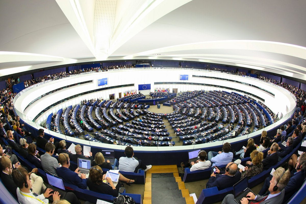 Депутаты Европарламента призвали ЕС немедленно приступить к внедрению четвертого пакета санкций против режима Лукашенко