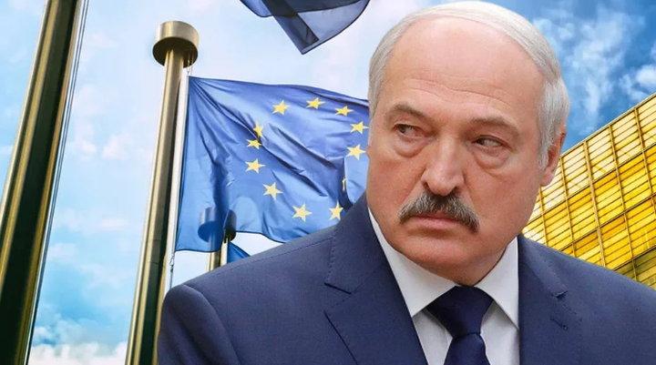 Давление на Лукашенко растёт